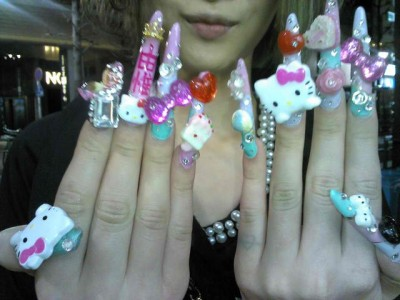 hello kitty fake fingernails
