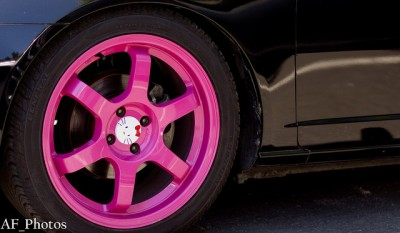 hello kitty pink car rims