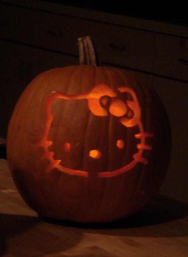 Pumpkin carving hello kitty hell