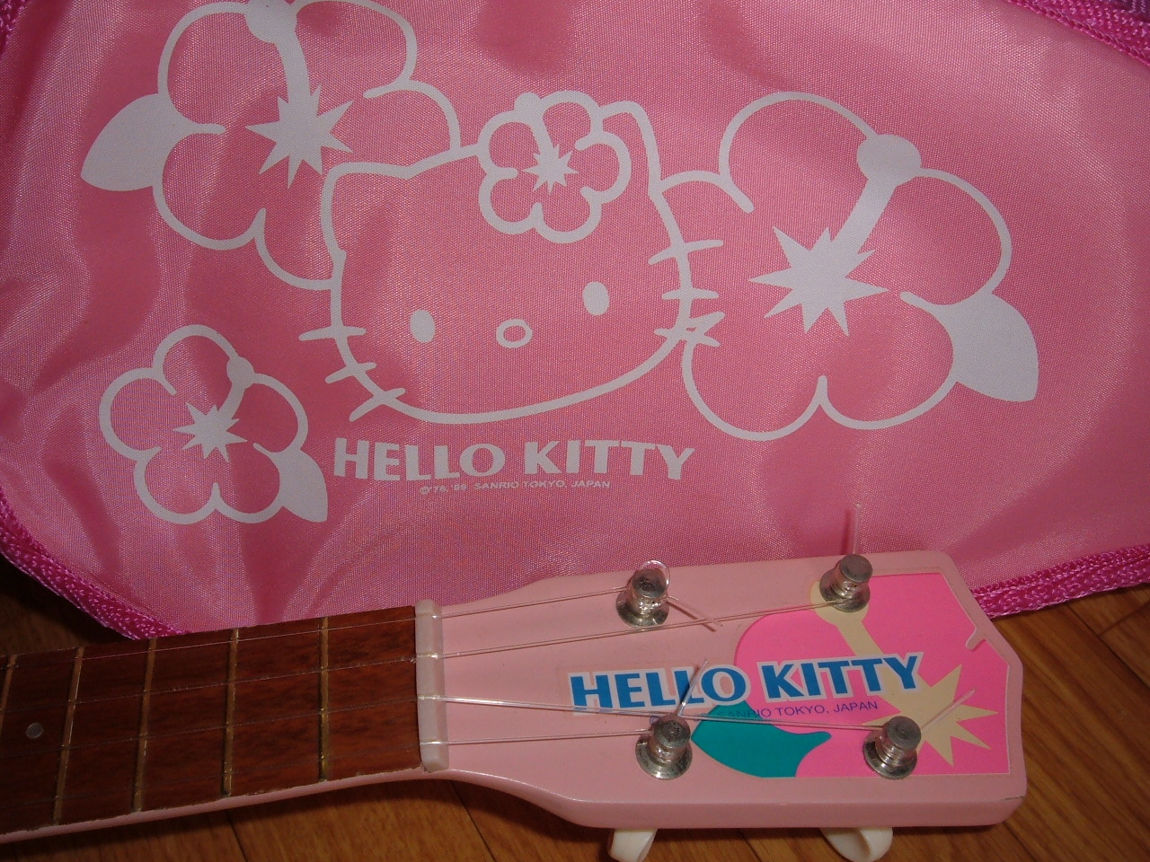 Hello Kitty ukulele bag