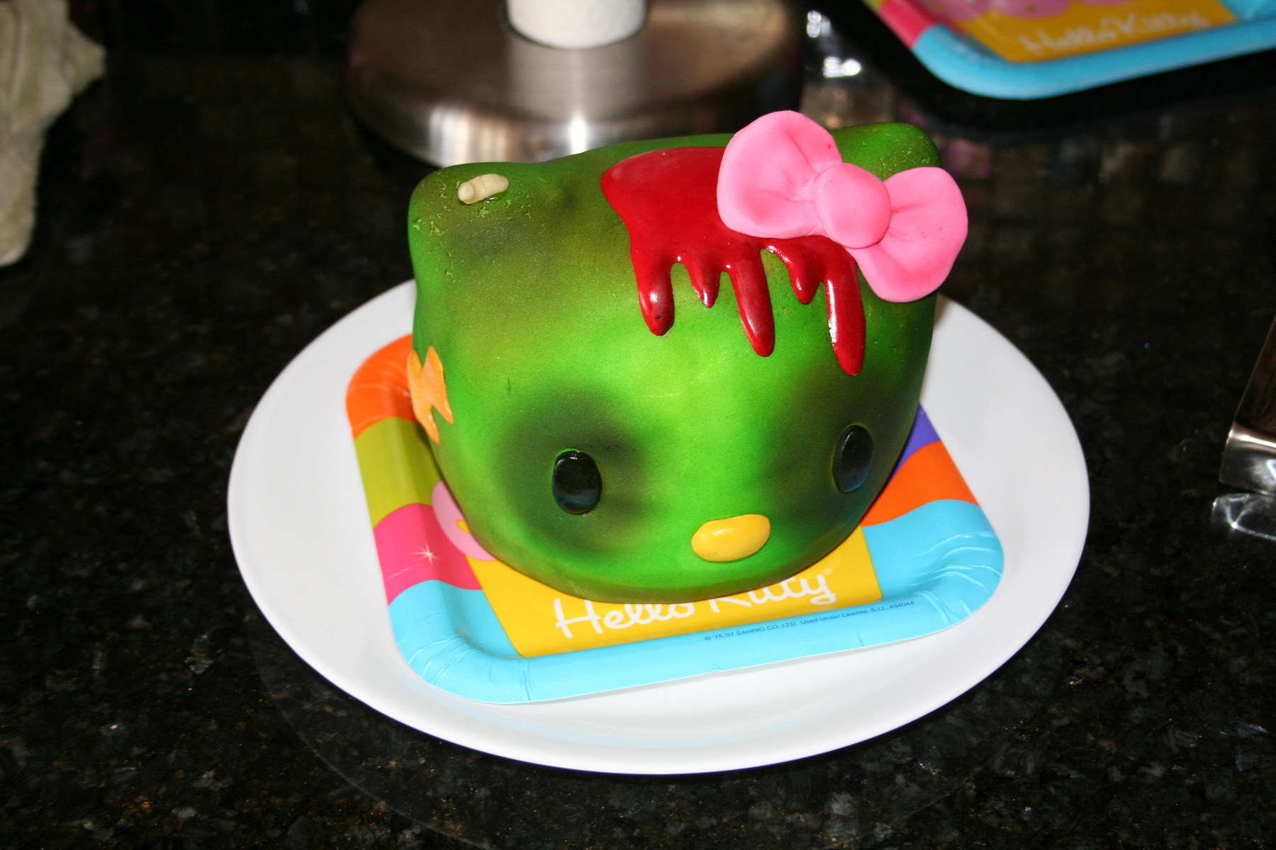 Hello Kitty zombie cake head