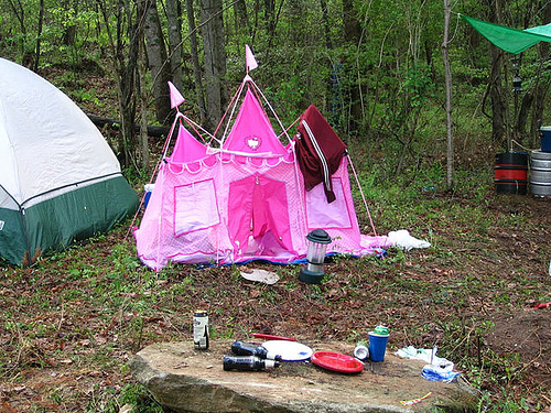 hello-kitty-tent