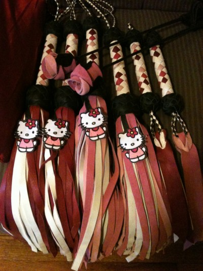 hello kitty floggers