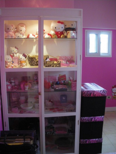 Hello Kitty room shelves