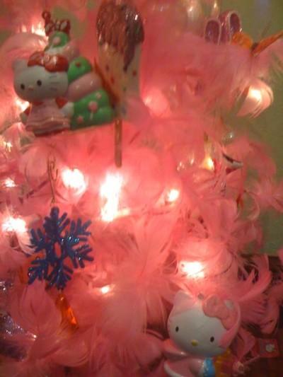 Hello Kitty pink feather boa Xmas tree