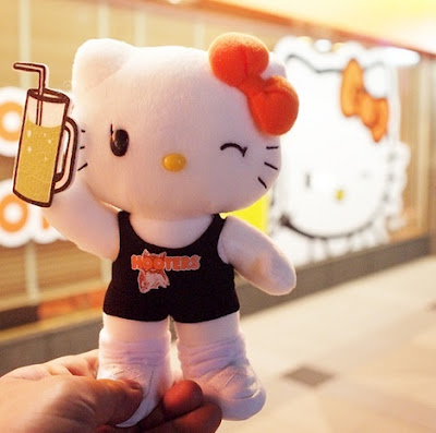 hello kitty hooters plush